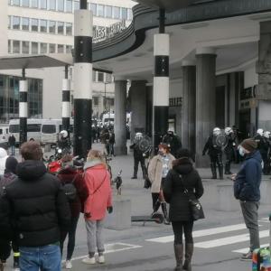 manifestation violences policières police déploiement Bruxelles Mont des Arts arrestation