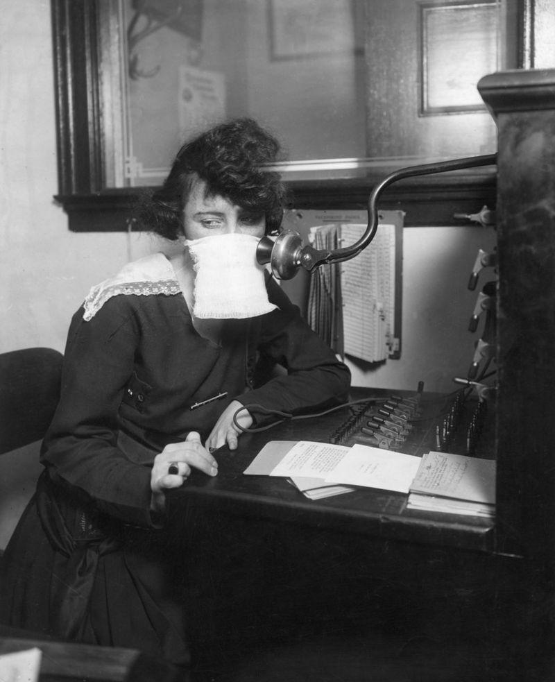 Grippe espagnole 1918 1919 19 masques chirurgicaux pandémie monde Europe épidémie Première Guerre Mondiale
