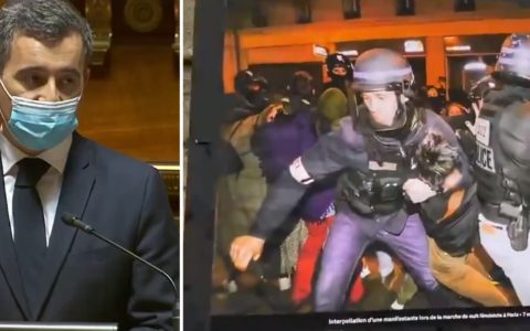 ATTAC expose des photos de violences policières devant le Sénat pour dire non à la loi Sécurité globale en France (18 mars) Darmanin Macron