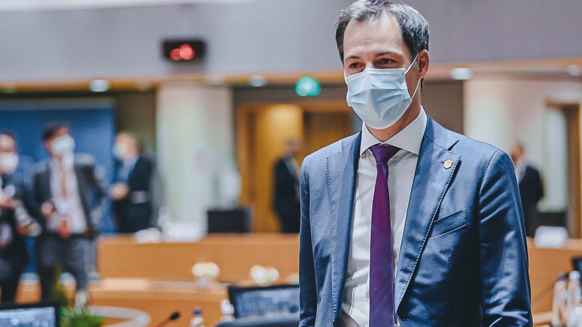 Alexander De Croo covid lockdown coronavirus Belgique gouvernement fédéral belge mesures sanitaires crise commerces non essentiels société