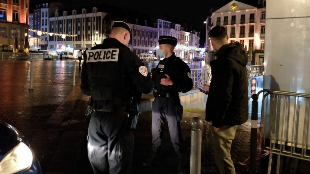 rixe 16ème arrondissement Paris cinq jeunes quatre mineurs coma blessés grièvement police Seine France Argenteuil adolescente 14 ans parquet