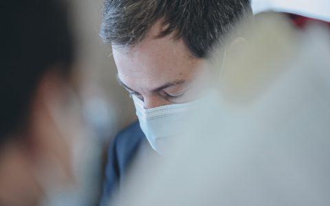 Alexander De Croo Premier ministre belge Le Soir journal quotidien science mesures sanitaires covid