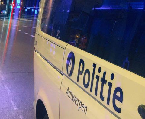 police anvers lockdown party borgerhout femme saute par fenêtre peur échapper