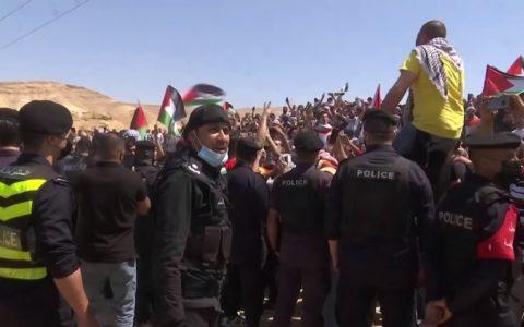 La police jordanienne disperse des manifestants près de la frontière avec la Cisjordanie