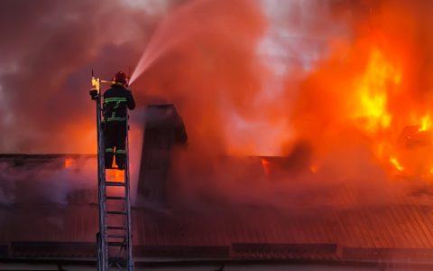 Trois jeunes bruxellois ont 6 personnes d'un grave Incendie à Ixelles