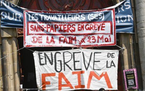 Grève de la faim des sans papiers à l'église du Béguinage - Photo : Jean Lemaitre.