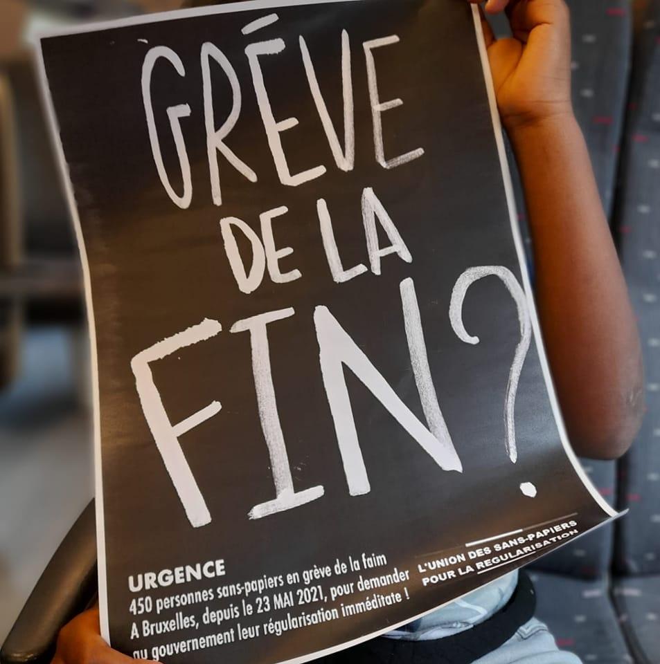 Affiche de l'Union des sans-papiers pour la régularisation, sur la grève de la faim.