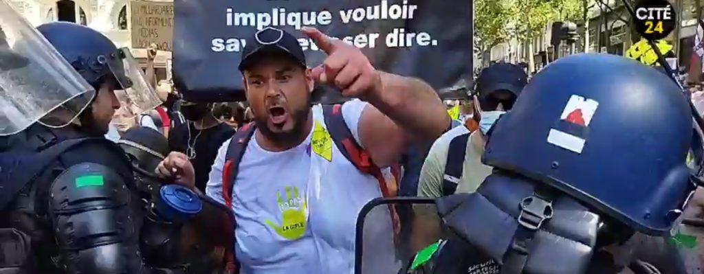 Manifestation parisienne contre le pass sanitaire du 14 août 2021.